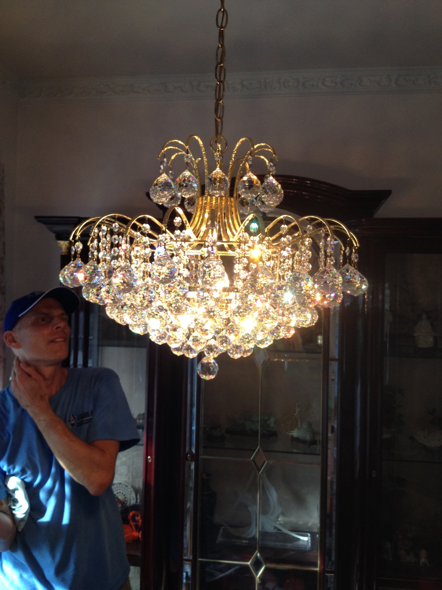 residential chandelier cleaning