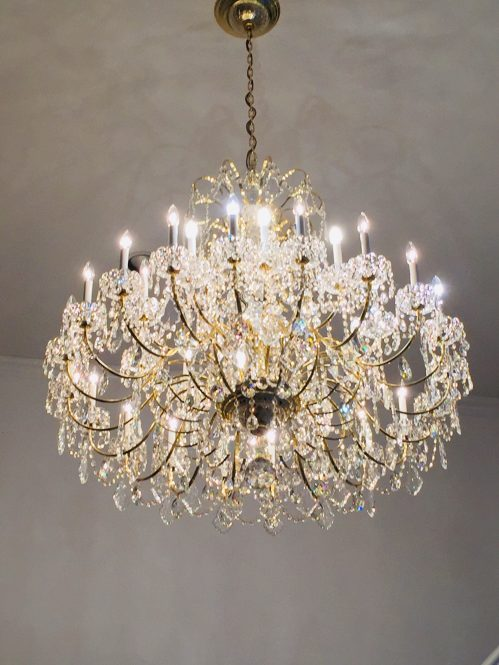 crystal chandelier cleaned by A Glass Act